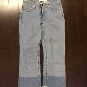 Victoria Victoria Beckham cropped jeans.
